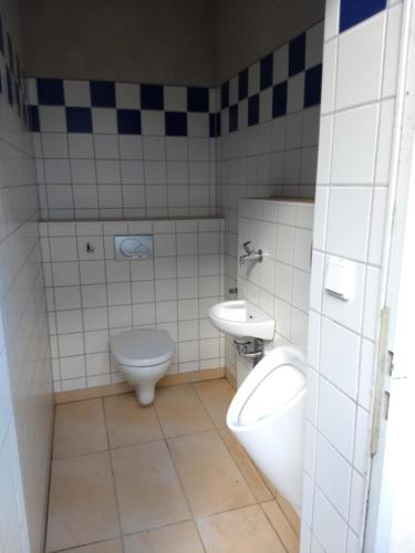 WC 2 aussen